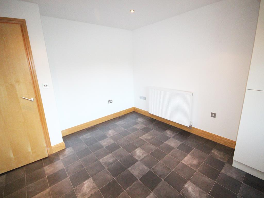 2 bedroom flat For Sale in Foulridge, Colne - IMG_0915.jpg